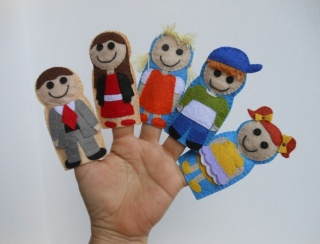 Family Finger Puppet Set